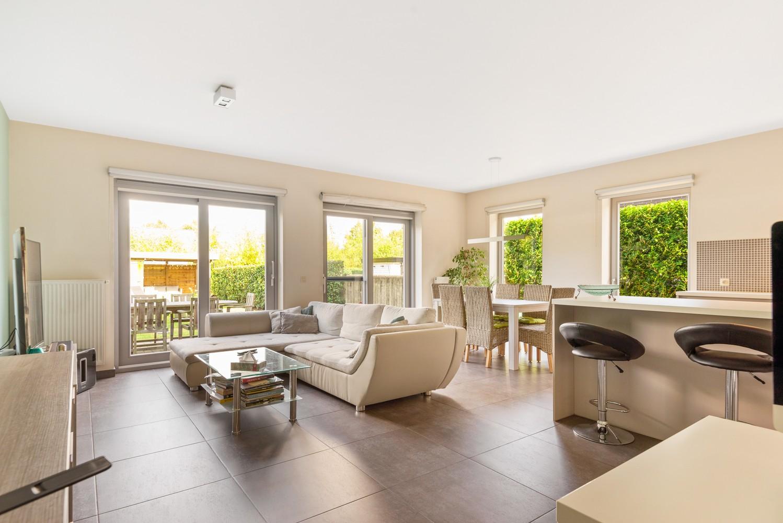 Modern gelijkvloers appartement met leuke tuin, 2 slaapkamers en autostaanplaats in Wommelgem! afbeelding 3