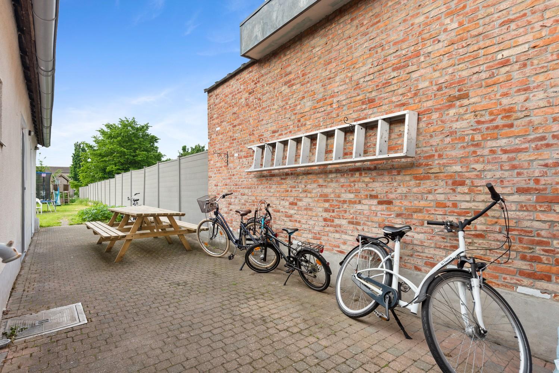 Gerenoveerde, ruime woning met veel mogelijkheden en grote tuin in hartje Broechem! afbeelding 22