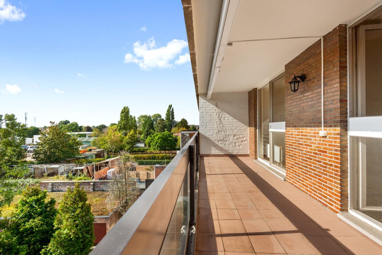 Ruim, te renoveren appartement met 3 slaapkamers & zonnig terras nabij centrum Lier afbeelding 13