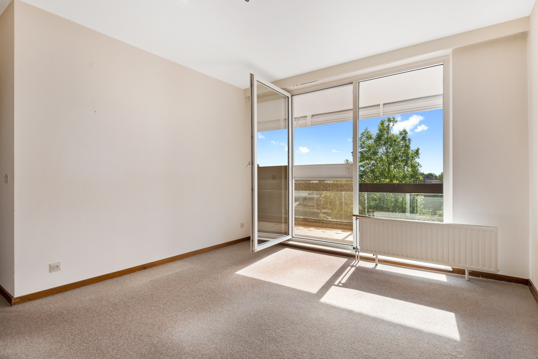 Ruim, te renoveren appartement met 3 slaapkamers & zonnig terras nabij centrum Lier afbeelding 10
