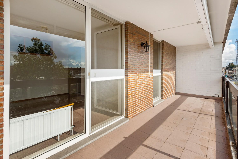 Ruim, te renoveren appartement met 3 slaapkamers & zonnig terras nabij centrum Lier afbeelding 12