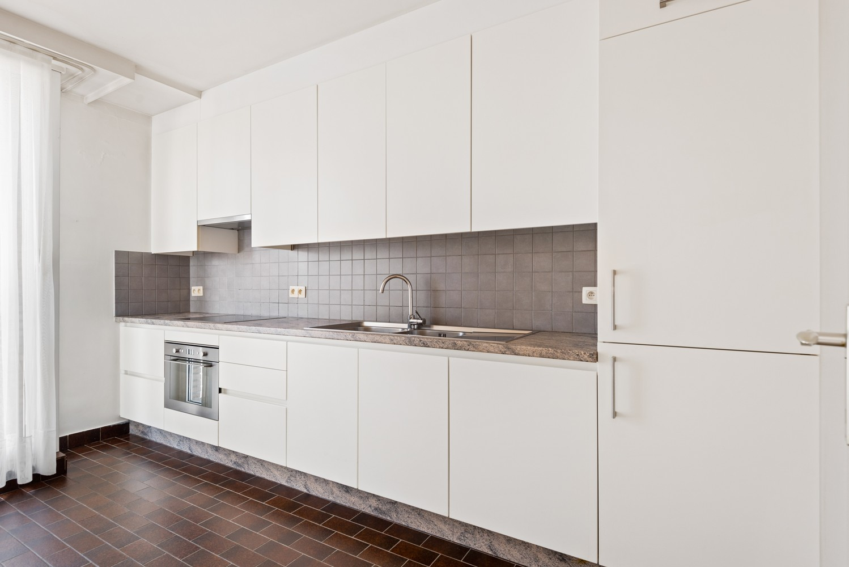 Ruim, te renoveren appartement met 3 slaapkamers & zonnig terras nabij centrum Lier afbeelding 8
