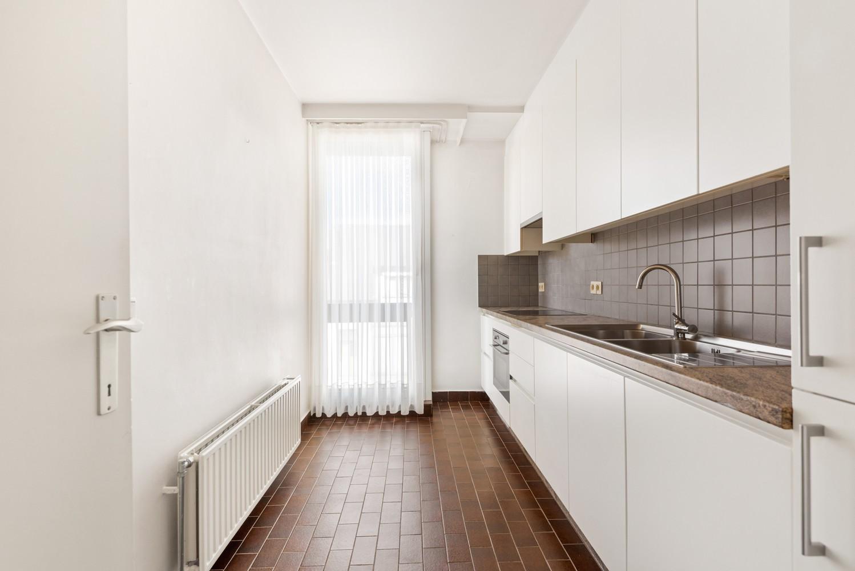 Ruim, te renoveren appartement met 3 slaapkamers & zonnig terras nabij centrum Lier afbeelding 9