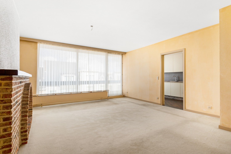 Ruim, te renoveren appartement met 3 slaapkamers & zonnig terras nabij centrum Lier afbeelding 3