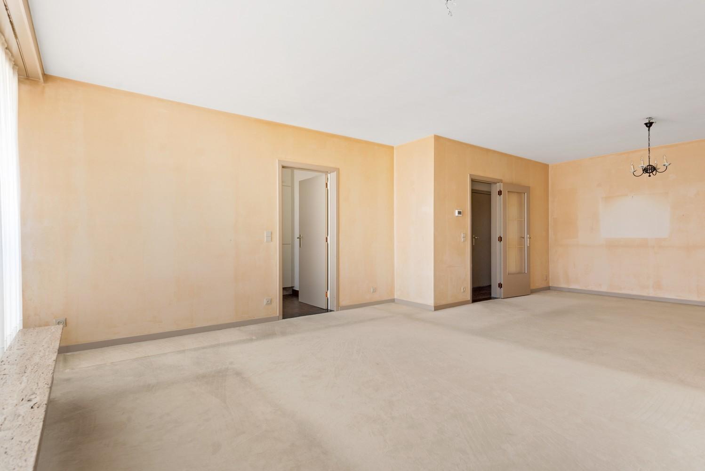 Ruim, te renoveren appartement met 3 slaapkamers & zonnig terras nabij centrum Lier afbeelding 4