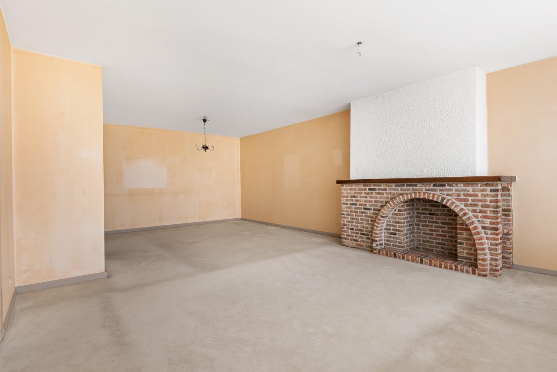 Ruim, te renoveren appartement met 3 slaapkamers & zonnig terras nabij centrum Lier afbeelding 5