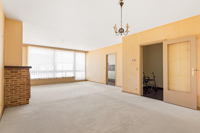 Ruim, te renoveren appartement met 3 slaapkamers & zonnig terras nabij centrum Lier afbeelding 6