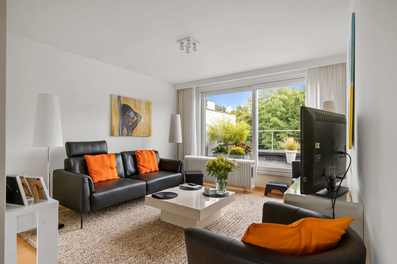 Mooi, lichtrijk dakappartement met 1 slaapkamer en ruim terras in Deurne afbeelding 2