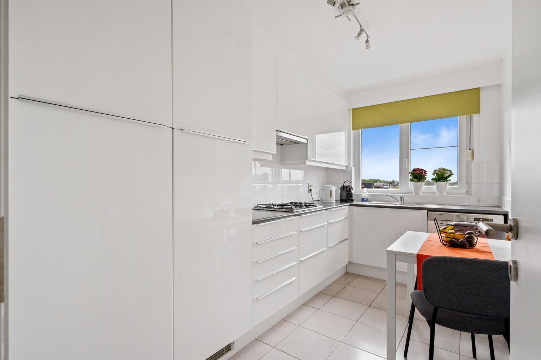 Mooi, lichtrijk dakappartement met 1 slaapkamer en ruim terras in Deurne afbeelding 11