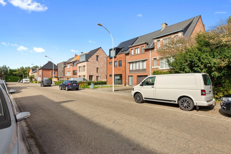 Verrassend ruime bel-étage met 3 slaapkamers & tuin in Borsbeek afbeelding 26