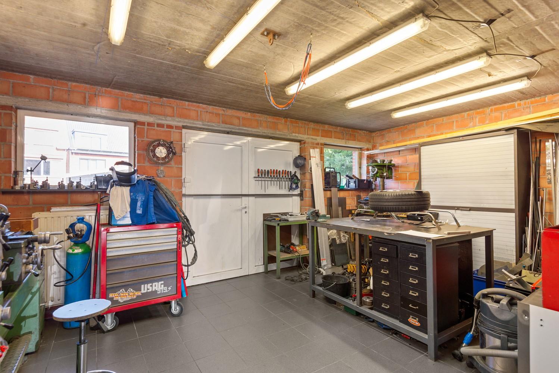 Verrassend ruime bel-étage met 3 slaapkamers & tuin in Borsbeek afbeelding 24