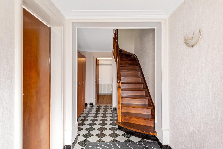 Verrassend ruime bel-étage met 3 slaapkamers & tuin in Borsbeek afbeelding 3