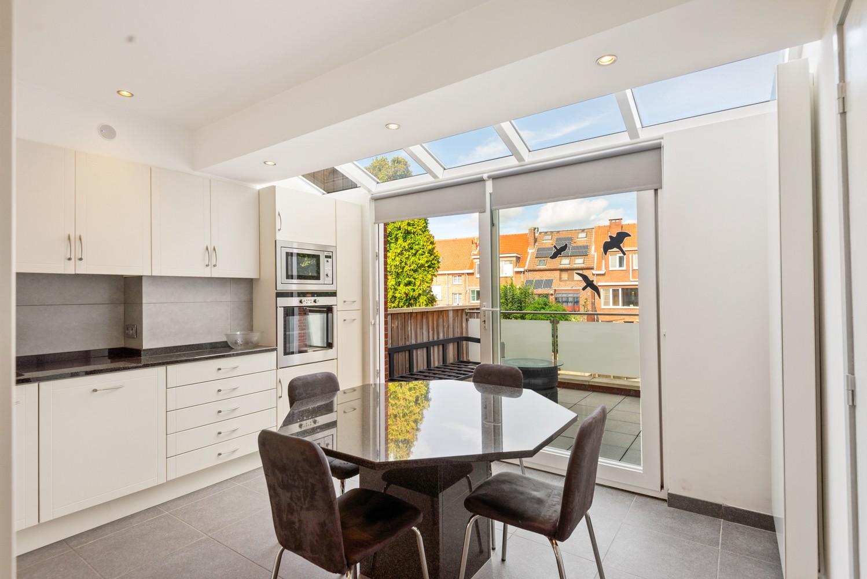 Verrassend ruime bel-étage met 3 slaapkamers & tuin in Borsbeek afbeelding 5