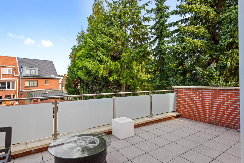 Verrassend ruime bel-étage met 3 slaapkamers & tuin in Borsbeek afbeelding 6