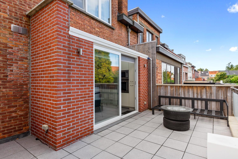 Verrassend ruime bel-étage met 3 slaapkamers & tuin in Borsbeek afbeelding 7