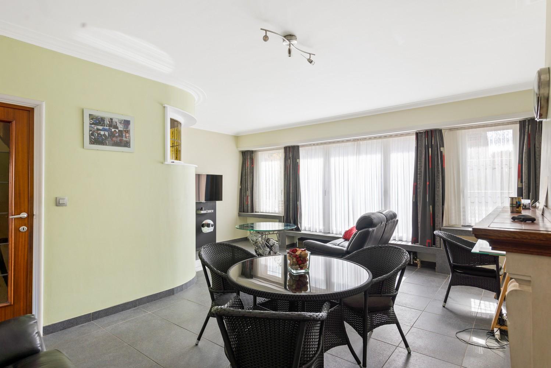 Verrassend ruime bel-étage met 3 slaapkamers & tuin in Borsbeek afbeelding 11