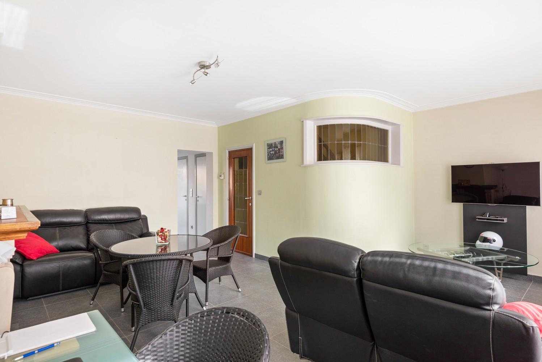 Verrassend ruime bel-étage met 3 slaapkamers & tuin in Borsbeek afbeelding 14