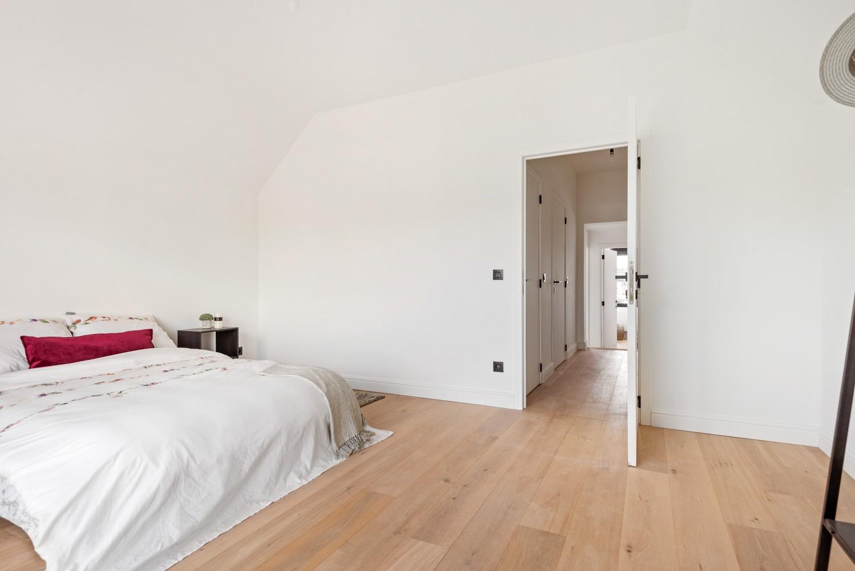 Smaakvol gerenoveerde woning met 3 ruime slaapkamers & mooie tuin in Kapellen afbeelding 16