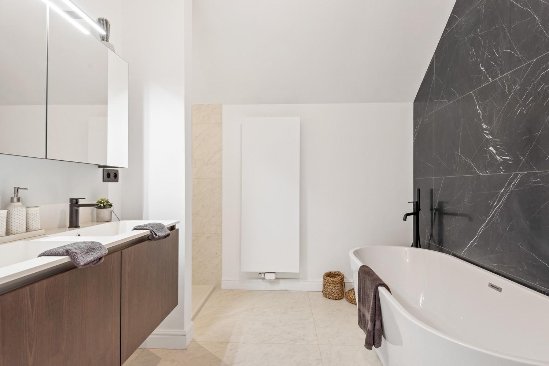 Smaakvol gerenoveerde woning met 3 ruime slaapkamers & mooie tuin in Kapellen afbeelding 17
