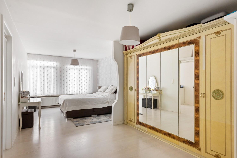 Verrassend ruime woning met 5 à 6 slaapkamers & garage te Deurne afbeelding 19