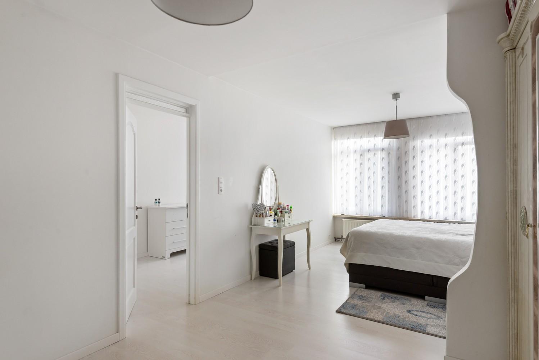 Verrassend ruime woning met 5 à 6 slaapkamers & garage te Deurne afbeelding 20