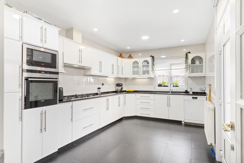 Verrassend ruime woning met 5 à 6 slaapkamers & garage te Deurne afbeelding 13
