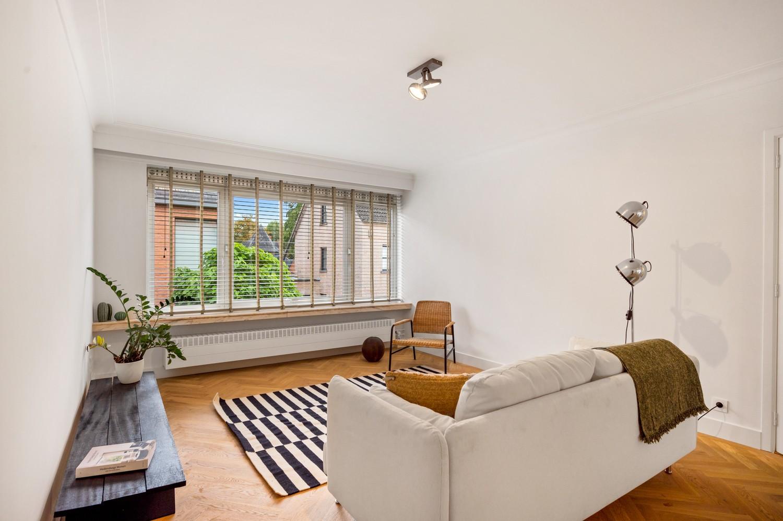 Volledig gerenoveerde woning op een toplocatie in een rustige straat nabij het gezellige centrum van Brasschaat afbeelding 4