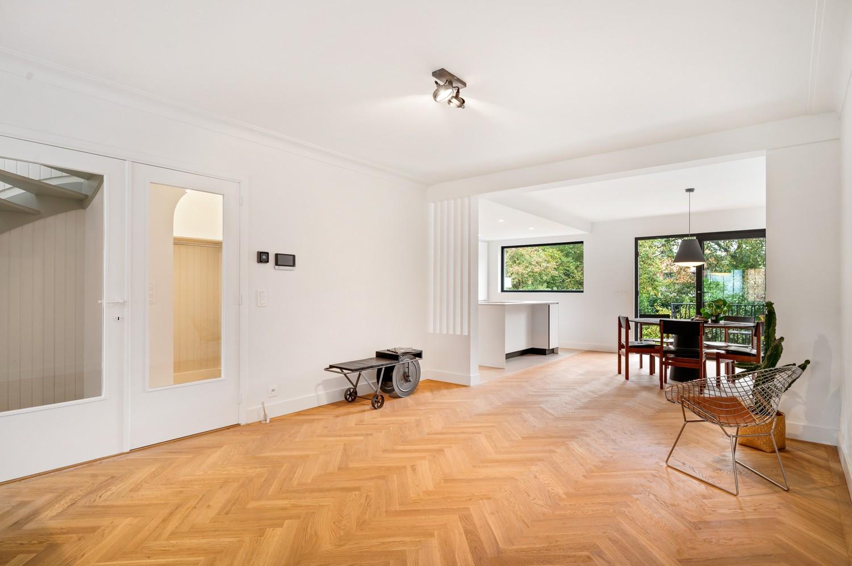 Volledig gerenoveerde woning op een toplocatie in een rustige straat nabij het gezellige centrum van Brasschaat afbeelding 5