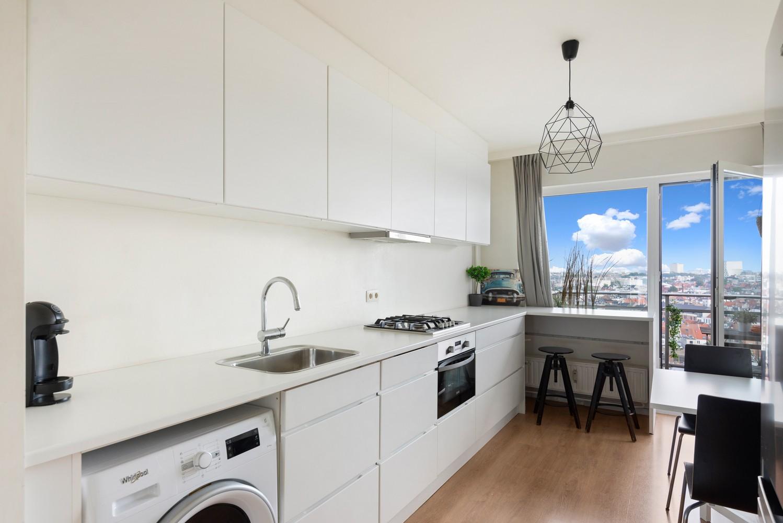 Leuk één-slaapkamerappartement met indrukwekkend uitzicht over Antwerpen! afbeelding 2
