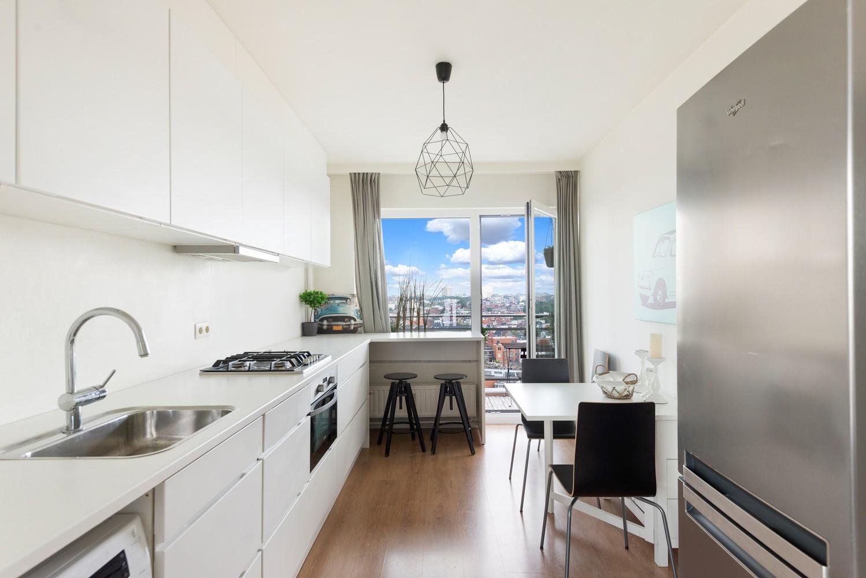 Leuk één-slaapkamerappartement met indrukwekkend uitzicht over Antwerpen! afbeelding 1
