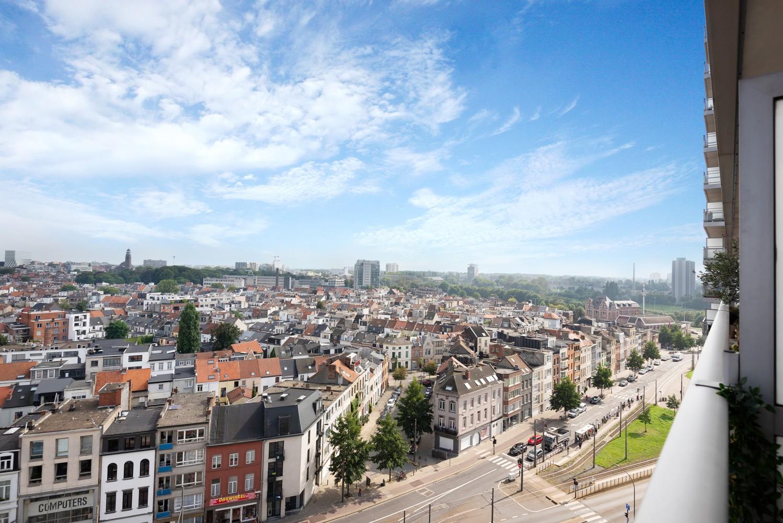 Leuk één-slaapkamerappartement met indrukwekkend uitzicht over Antwerpen! afbeelding 13