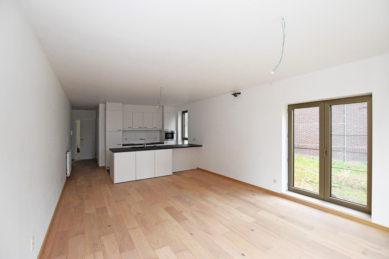 Gloednieuw, gelijkvloers appartement met 2 slaapkamers & autostaanplaats! afbeelding 3