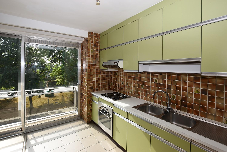 Gunstig gelegen en zeer verzorgd appartement met drie slaapkamers en terras te Wijnegem. afbeelding 2