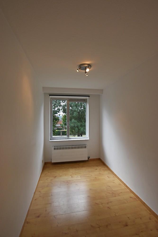 Gunstig gelegen en zeer verzorgd appartement met drie slaapkamers en terras te Wijnegem. afbeelding 9