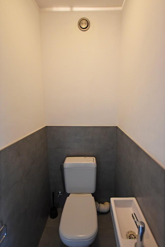 Gunstig gelegen en zeer verzorgd appartement met drie slaapkamers en terras te Wijnegem. afbeelding 10