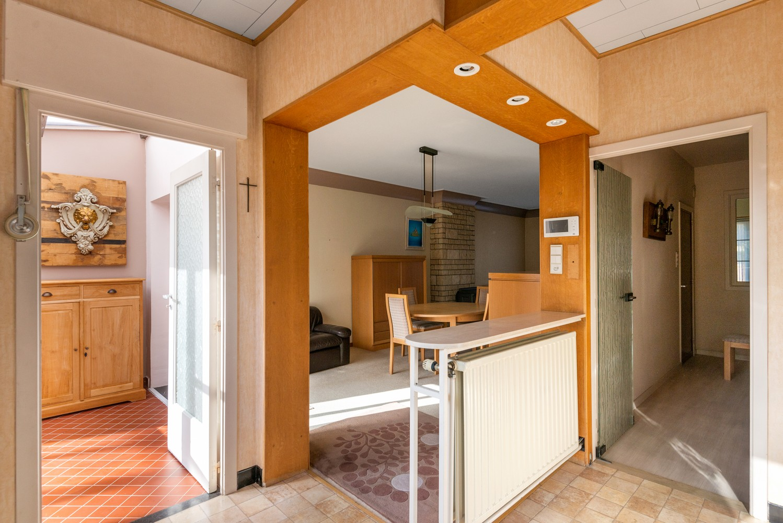 Bel-étage woning met twee ruime slaapkamers en zuidoostelijk georiënteerde tuin te Wijnegem! afbeelding 9