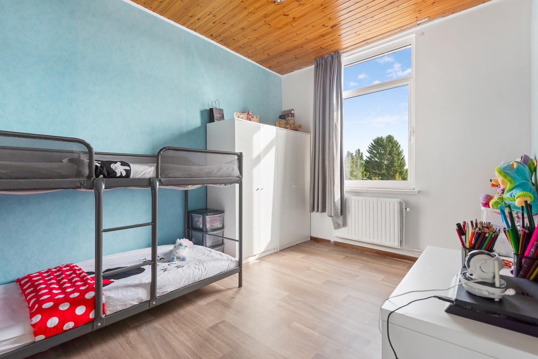 Rustig gelegen, op te frissen eengezinswoning met twee slaapkamers en leuke tuin te Wijnegem. afbeelding 10